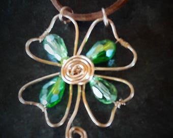 Clover leaf pendant