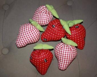 Set of 6 strawberries