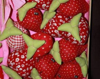 Set of 15 strawberries