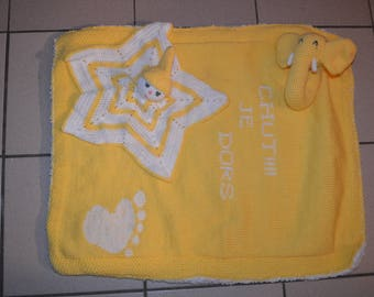 Blanket and rattle blanket