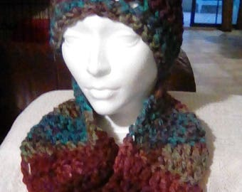 Matching hat an Cowl Set