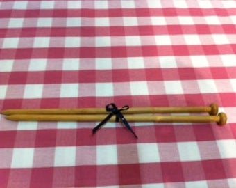 A Lovely old wooden pair of vintage 'Birchwood' Knitting Needles.