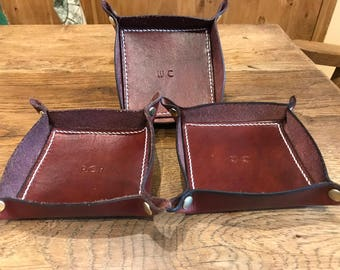 Handmade Leather Coin Tray, Valet tray, coin and key base, dresser catch all, Groomsman present, Gift for him, boyfriend, husband, Dad