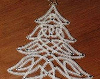 Christmas tree bobbin lace