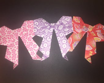 2 Origami bows