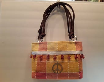 "Placemat ""Give Peace a Chance"" purse"