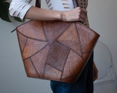 80s oversized brown woven patchwork bag / wicker tote / 1877a /