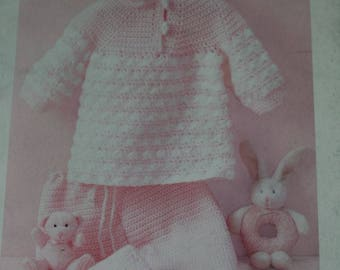 Crochet Patterns Knitting Baby Love Bernat 530109 Sweaters Booties Bonnets Overalls