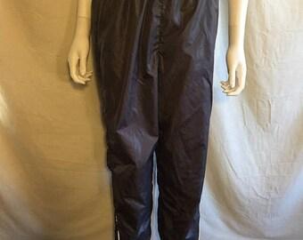 Closing Shop 40%off SALE 90's NIKE Vintage  Nylon Pants joggers Nylon Nike Medium size