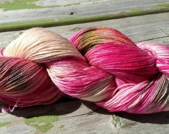 Candy, Superwash BFL Hand Painted Sock Yarn, 100g/400m