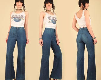 Vintage 70's DITTOS Bell Bottoms Jeans // High Waisted Waist Dark Denim // Wide Leg Pants // Hippie Boho Bohemian 26