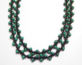 malachite necklace,malachite stone beaded necklace,malachite gemstone necklace,malachite jewelry,gemstone jewelry