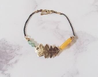 English oak leaf bracelet, gold green yellow, Leaf-Life collection, leaf spring summer bracelet