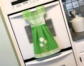 Daisy Kitchen Towel Dress, Hanging Dish Towel, Tea Towel, Dishtowel Dress in Spring Green and White, Hostess Gift, Kitchen Decor by Klosti