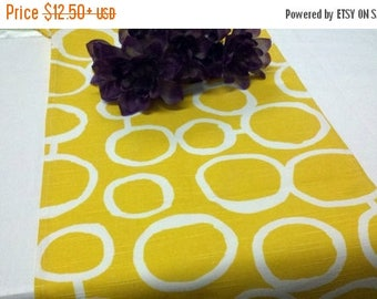 ON SALE YELLOW Table Runner  Sun yellow and White Geometric Circles Freehand Links Wedding Bridal Runner