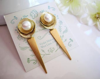 Gold Rround Petal Earrings, Pearl Center, Post Style, Lotus Leaf, Double Circle, Long, Bohemian, Vintage style, Gardendiva