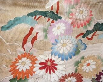 Vintage kimono S754, off white, houmongi, silk