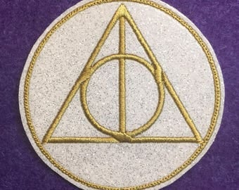 "Deathly Hallows Pendant magnet *Made-to-order 3"" round Glitter Vinyl"