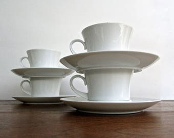 Blanco Espana Full-Sized Coffee Cups by Block Bidasoa, Porcelain High-Gloss White Cups & Saucers -4 Available, 1969 Spain