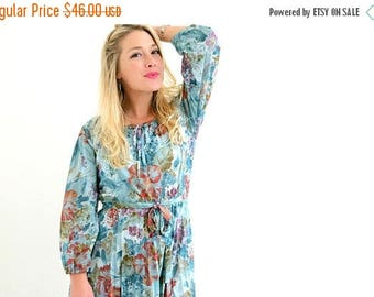 ON SALE 1970s Floral Pleat Dress /// Size Extra Small to Small