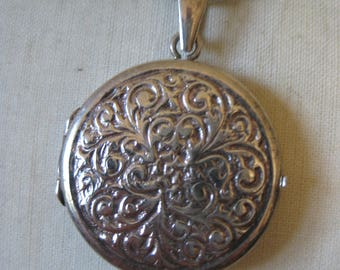 Round Locket Sterling Necklace Pendant Vintage 925 Silver