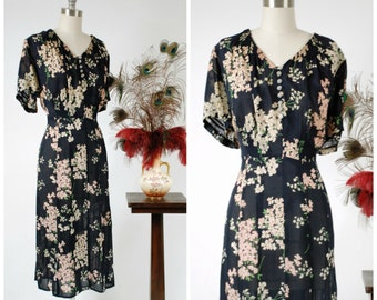 Vintage 1940s Dress - Glorious Ultra Sheer Navy Dark Floral 40s Day Dress with Featherweight Silk Chiffon with Shoulder Insets