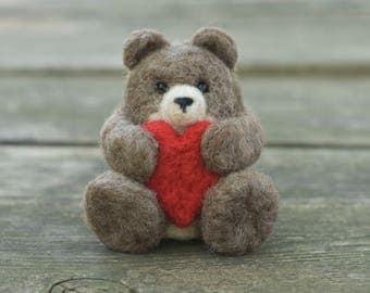 Needle Felted Bear - Holding Heart