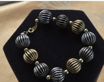 "On sale Pretty Vintage 14mm Gold tone, Silver tone Beaded Bracelet, 8-1/4"" (Z7)"