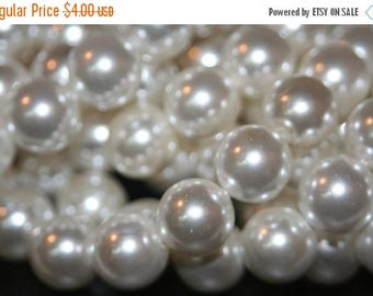 SUMMER SALE Sale -  Mother of Pearl Round Beads - 10mm - 10 pcs