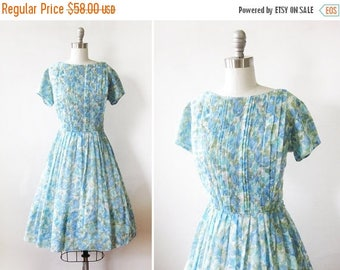 20% OFF SALE 50s floral dress, 1950s blue day dress, large vintage dress