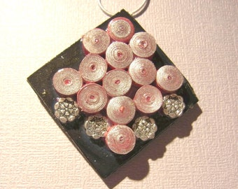 Paper bead necklace, quilling beads in red and silver, paper pendant, paper jewlery.