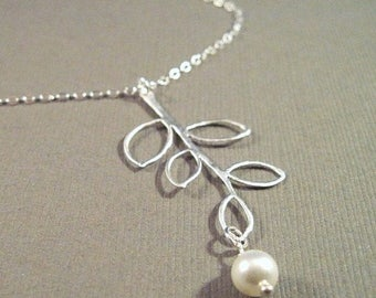 ON SALE Set of 5 Pearl and Leaf Bridesmaid Necklaces Addison
