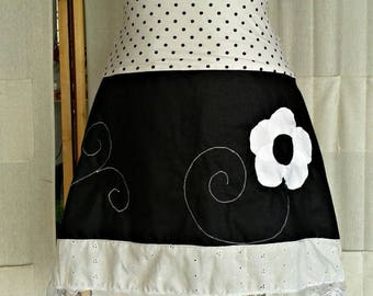 Angel flower skirt white and black