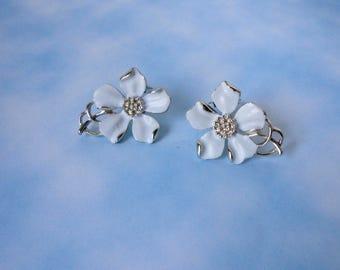 Vintage  Gold tone and White Enameled EMMONS Flower Earrings.