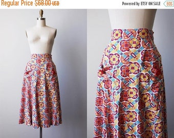 ON SALE 40s Skirt - Vintage 1940s Skirt - Art Deco Cotton Floral Print A-line Skirt w Pockets and Buttons M - Autumn Rising Skirt
