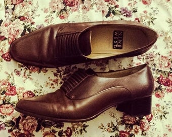 30% OFF Vintage 90s Stacked Chocolate Brown Leather Lace-Up Preppy Oxford Heels 8.5