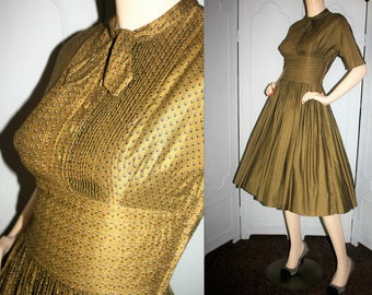 Vintage 50's Fall Colored Cotton Day Dress. Small.