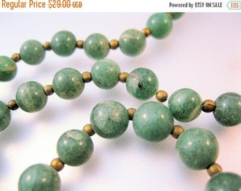 "SHIPS 6/26 w/FREE Jewelry Vintage Nephrite Green Jade Beaded Necklace 21.5"" 1960s Jewelry Jewellery"