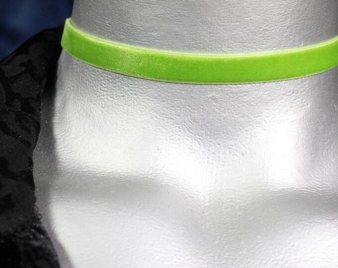 10mm Plain Light Green Velvet Choker