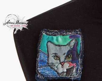 Collectible Art Pin - Animal Art - Cat