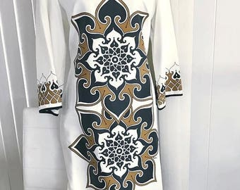 40% OFF Christmas in July Vintage Boho Alfred Shaheen Gown in Gorgeous Ethnic Lotus Print -- Size L-XL