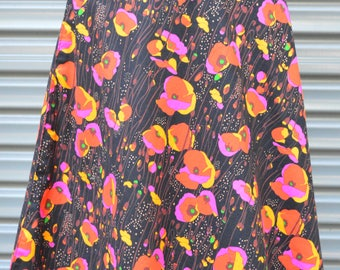 Be a tall poppy REVERSIBLE wrap Skirt Free size