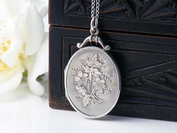 Antique Locket Sterling Silver | Small Oval Edwardian Photo Locket Necklace | 1915 English Hallmarks | Buttercup Flowers - 20 Inch Chain