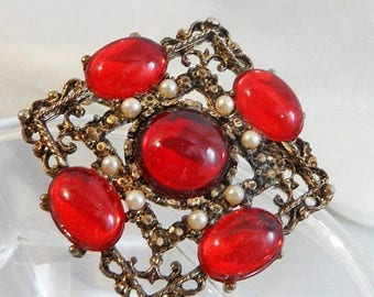 SALE Vintage Red Rhinestone Cabochon Brooch. Victorian Revival. Faux Pearls.