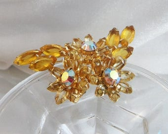 SALE Vintage Juliana Brooch. D&E. Delizza and Elster. Yellow Rhinestones. Ab