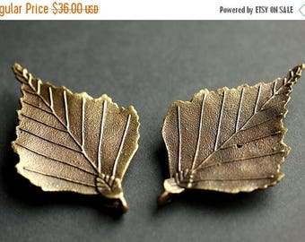 BACK to SCHOOL SALE Set of Two Viking Brooches. Bronze Leaf Brooches. Norse Shoulder Brooches. Leaf Apron Pins. Viking Brooch Set Historical