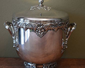 Vintage Reed And Barton Ice Bucket King Francis Silver plate 1647