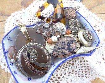 Vintage Jewelry Lot - Jewelry Lot - Boho Gpysy Charms - Black Gold Glitter - Tortoise Findings - Coin Tassel - Filigree Charms - D220