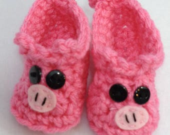 Little Pink Pig Booties, Baby Shower Gift, Piggie Baby Shoe with Tail, Twin Girls Baby Shower Gift, Newborn Photo Prop, Farm Animal Prop