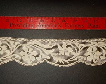"""Lace Cream Color 1 yard 15 inches and it is 2 2/8"""" wide Antique Lace 1930s"""